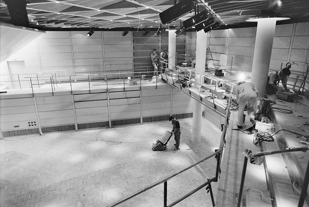 En ny, tyst kammarmusiksal byggs i Sibelius-Akademin i augusti 1991. De övningsrum som byggts till 1962 revs för syftet.
