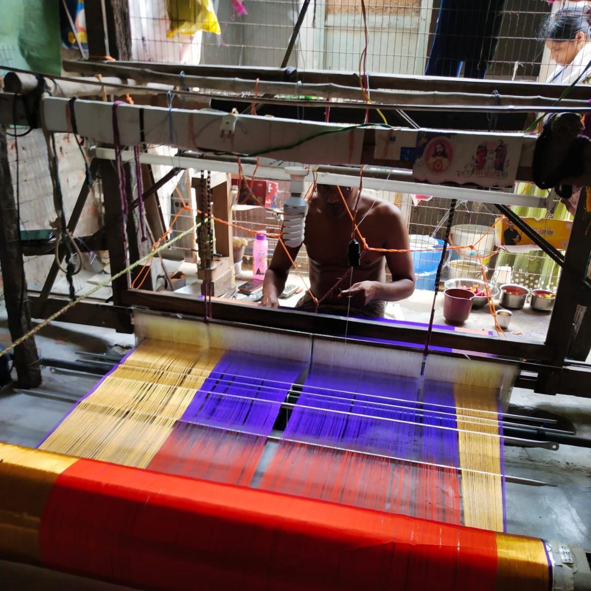 art of hand weaving in India